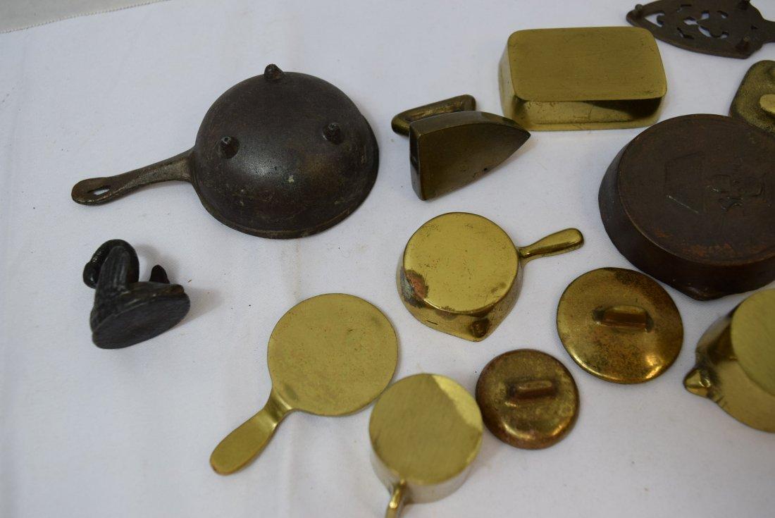 VINTAGE 12 PIECE LOT OF MINIATURE METAL PANS AND M - 6