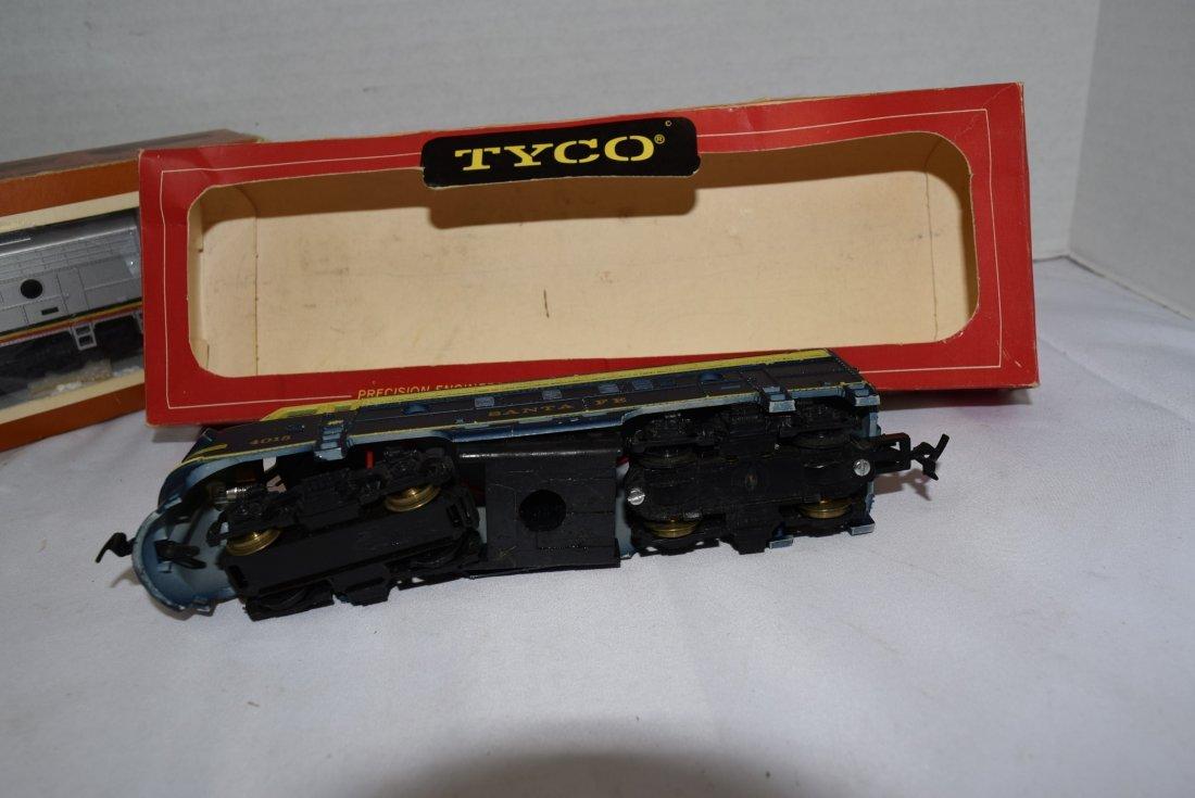 2 - STYLES OF TYCO SANTA FE 4015 LOCOMOTIVES - 4