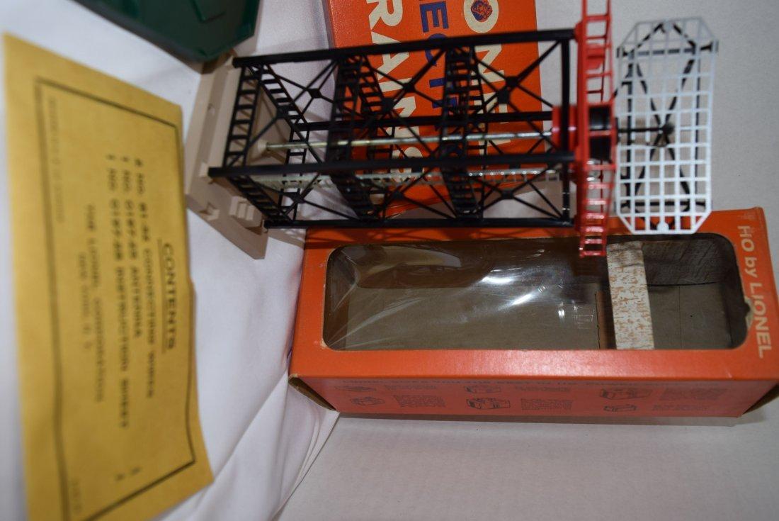 LIONEL HO RADAR ANTENNA; EXPLODING BOX CAR AND EXP - 3