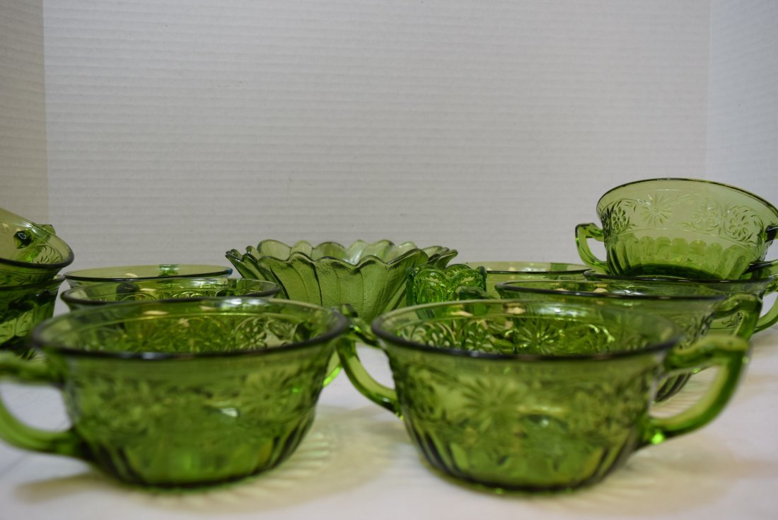 VINTAGE INDIANA GLASS 10 DAISY CREAM SOUP BOWLS & - 2