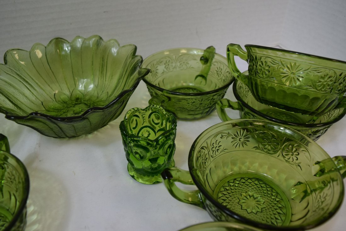 VINTAGE INDIANA GLASS 10 DAISY CREAM SOUP BOWLS & - 3