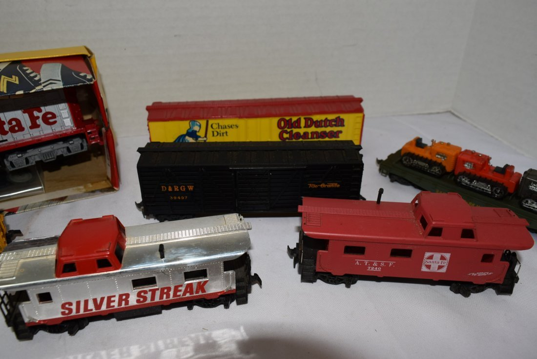 6 TYCO HO SCALE ROLLING CARS & LOCOMOTIVE 5628 - 3