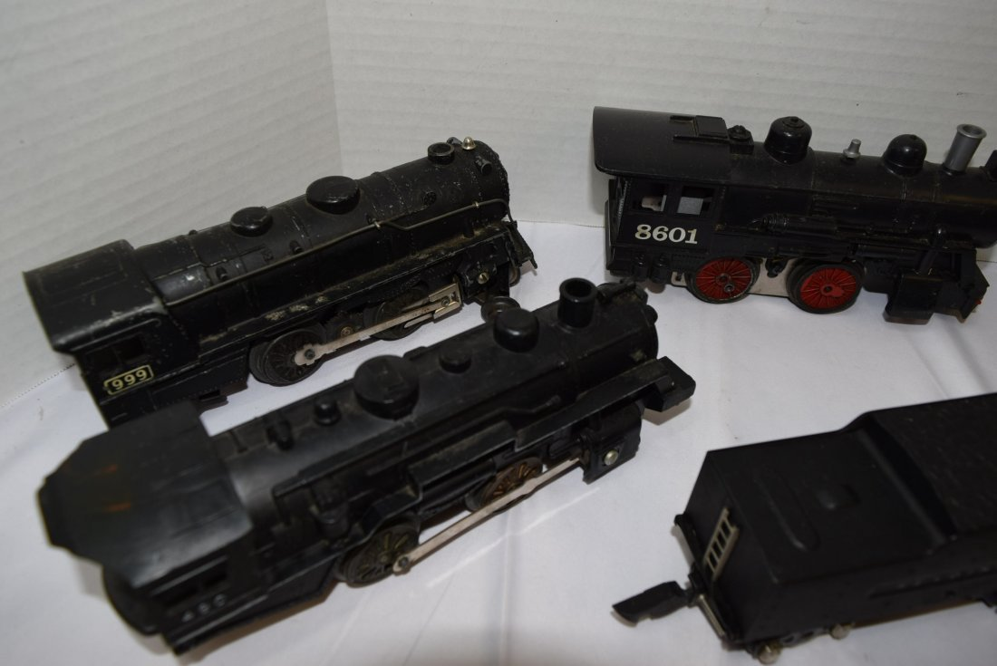 LOT BOX OF 5  LOCOMOTIVES AND 2 TENDERS - UNKNOWN - 2