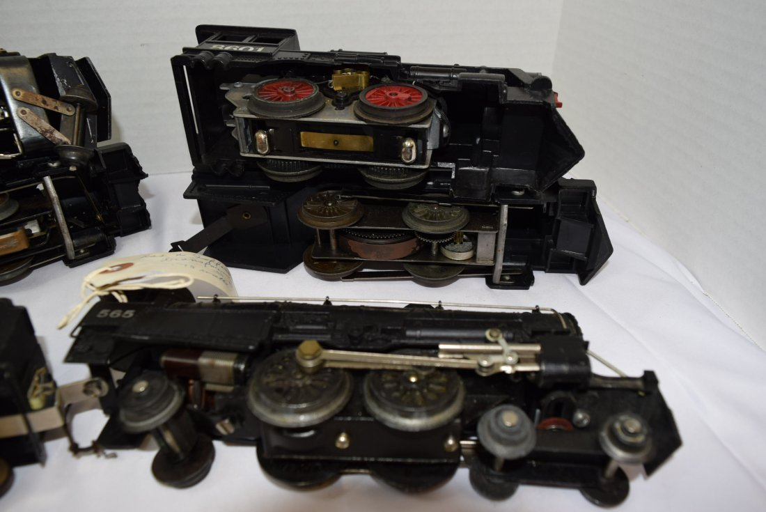 LOT BOX OF 5  LOCOMOTIVES AND 2 TENDERS - UNKNOWN - 6