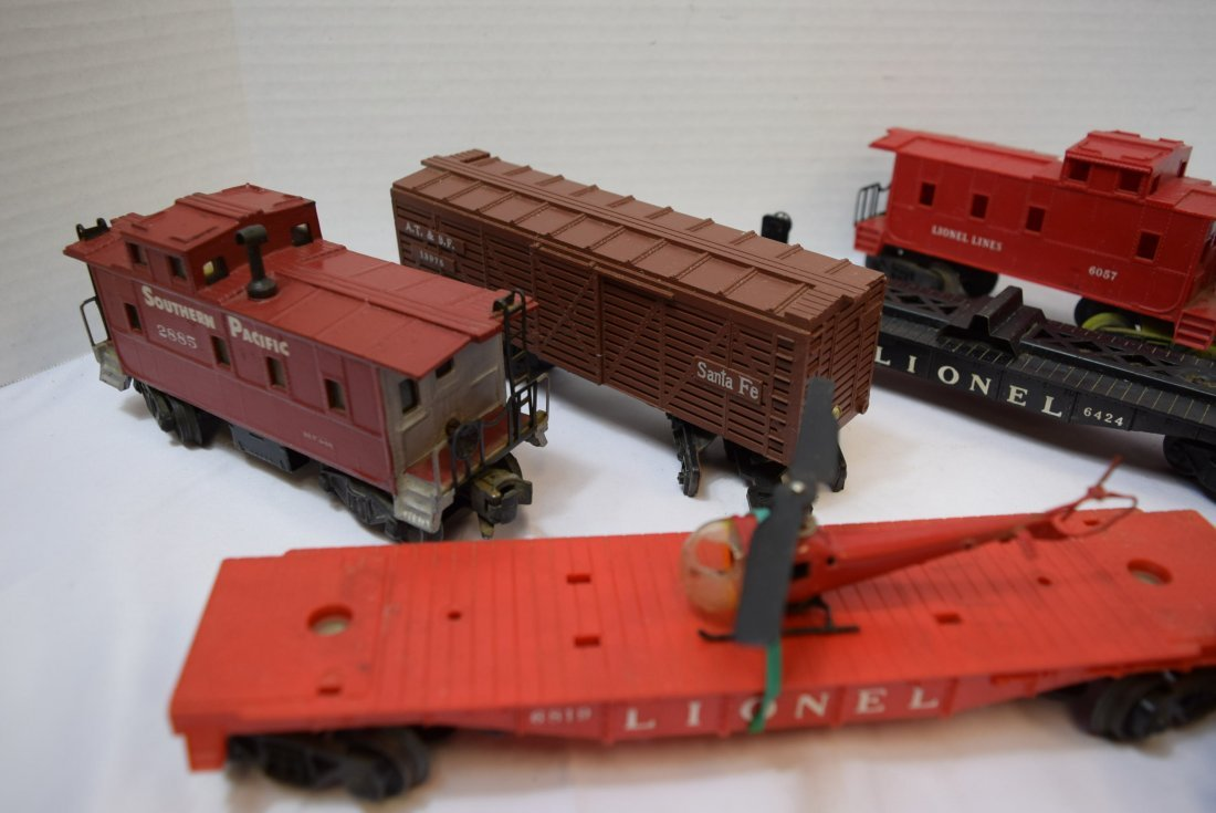 7 PIECE BOX LOT OF LIONEL AND OTHER ROLLING TRAIN - 2
