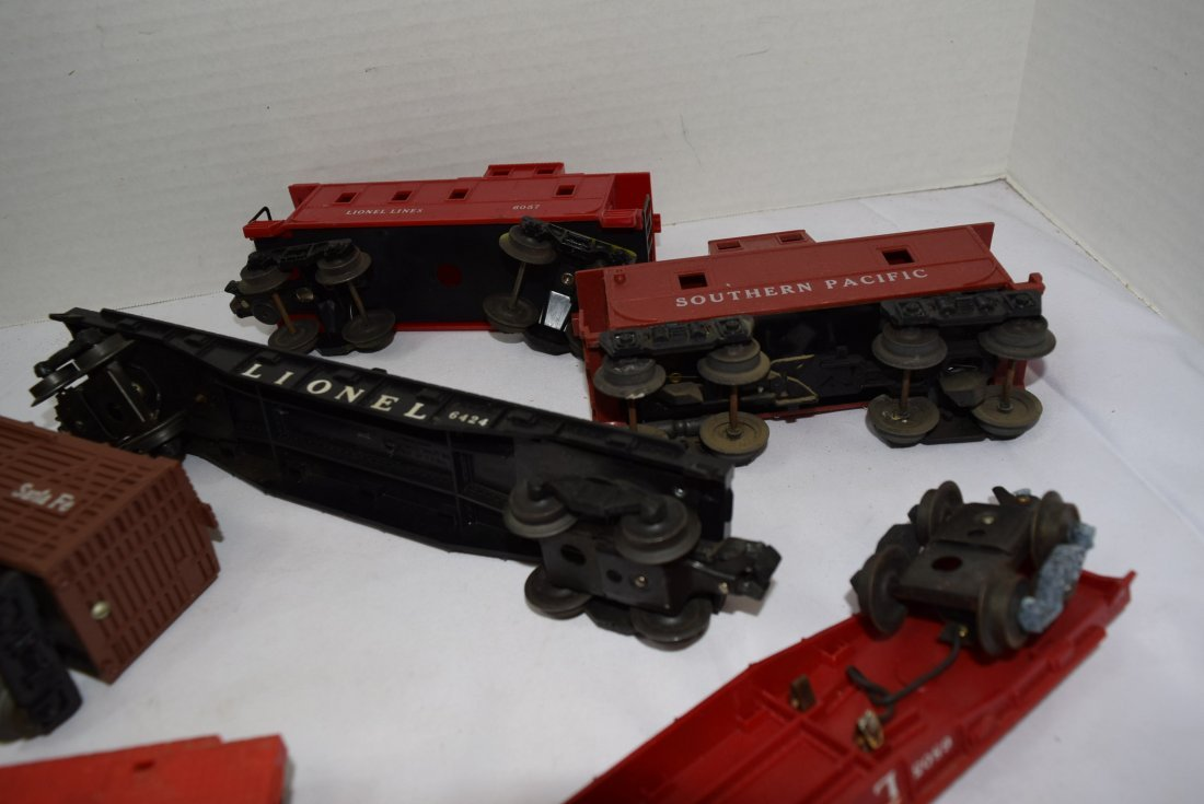 7 PIECE BOX LOT OF LIONEL AND OTHER ROLLING TRAIN - 6