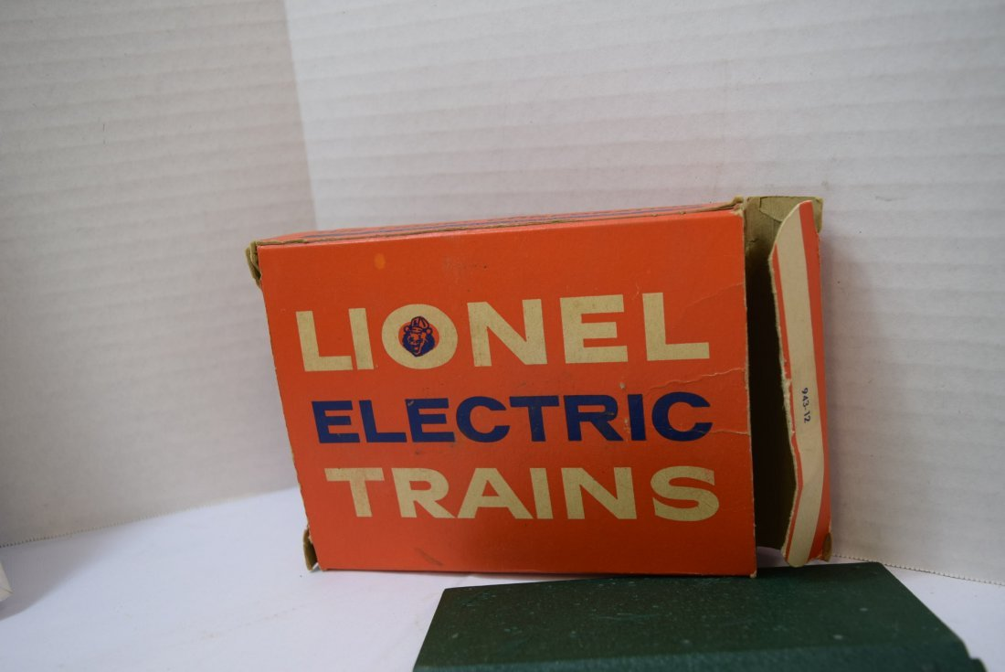 LIONEL CONTROL PANEL AND EXPLODING DUMP - 3