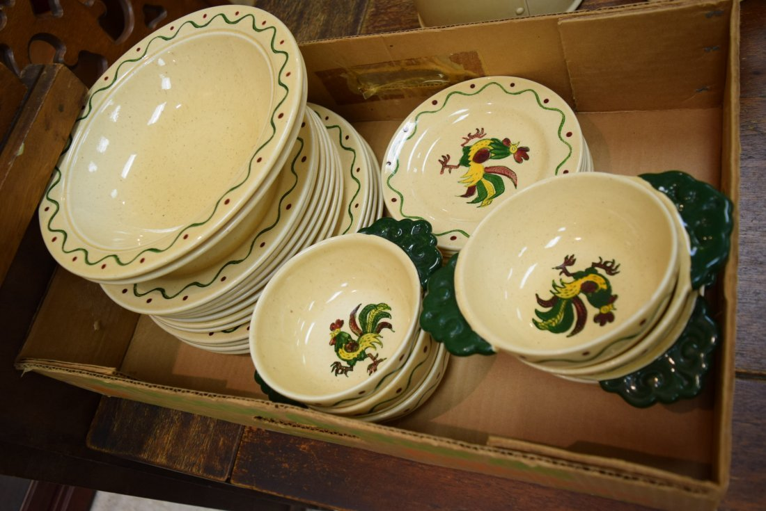 CALIFORNIA POPPYTRAIL GREEN ROOSTER PLATES AND BOW - 2