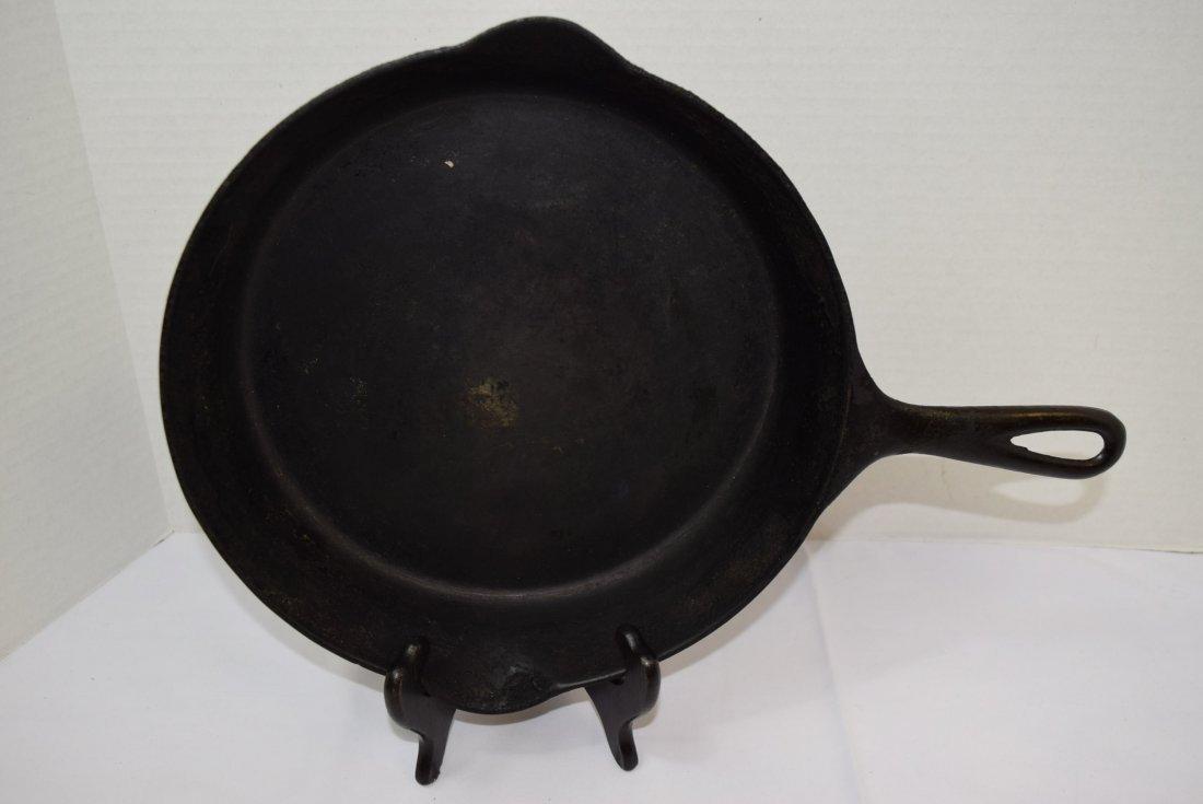 VINTAGE GRISWOLD NO.8 CAST IRON SKILLET/PAN