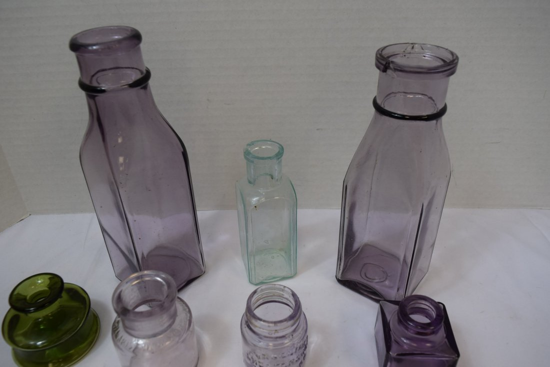 7 VARIOUS ANTIQUE BOTTLES IN VARIOUS COLORS - 4