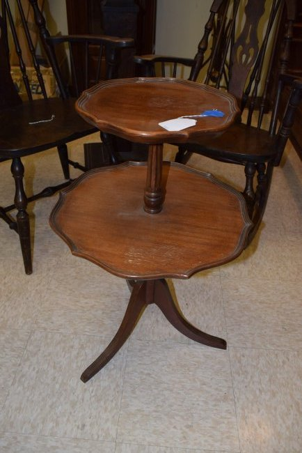 2 TIERED ROUND TABLE