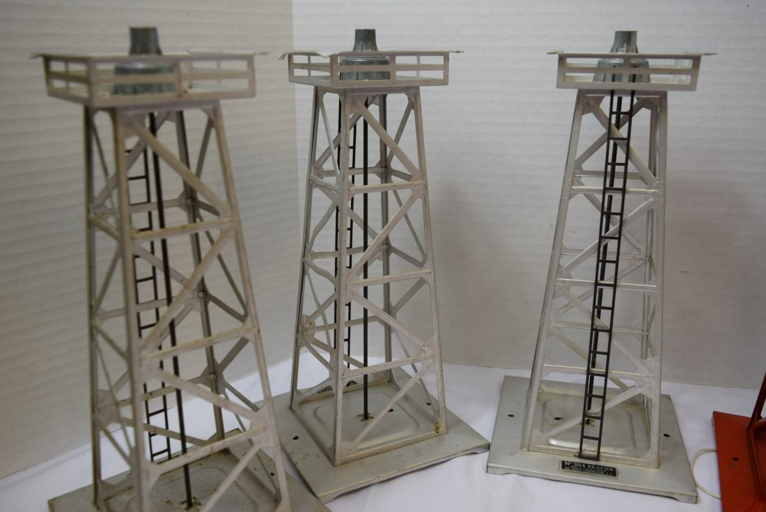 5 LIONEL BEACONS  O SCALE 394 - 4
