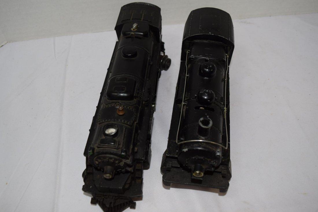 2 LIONEL LOCOMOTIVE TRAINS - 4