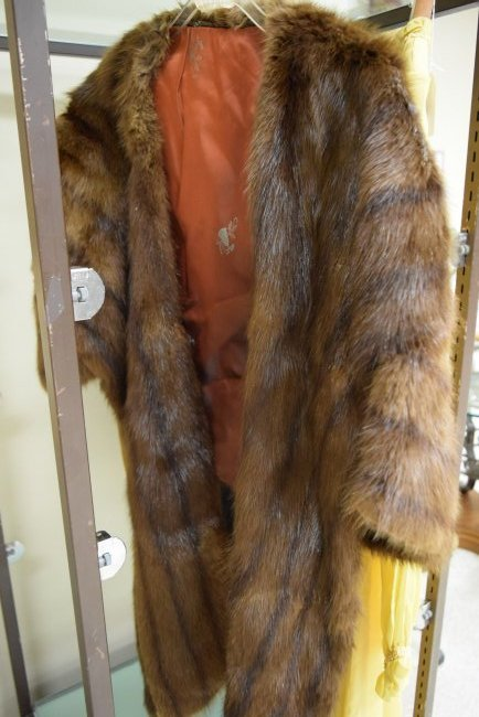 FUR STOL AND VINTAGE YELLOW DRESS - 2