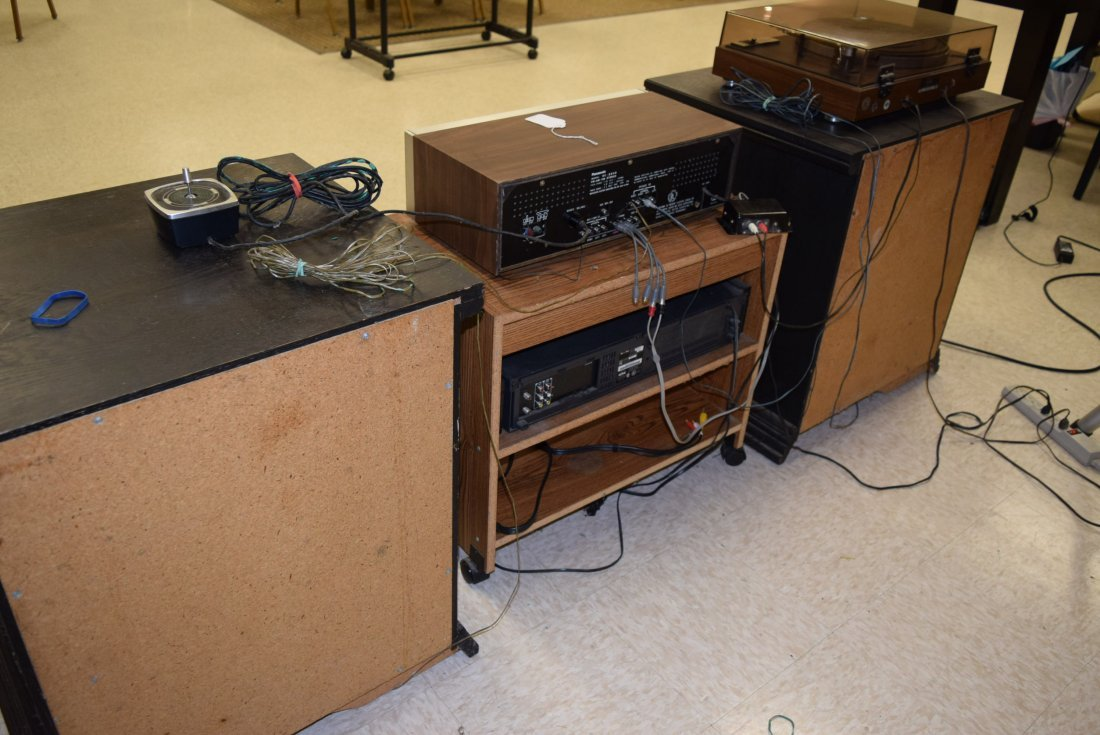 VINTAGE STEREO GROUP LOT - 5