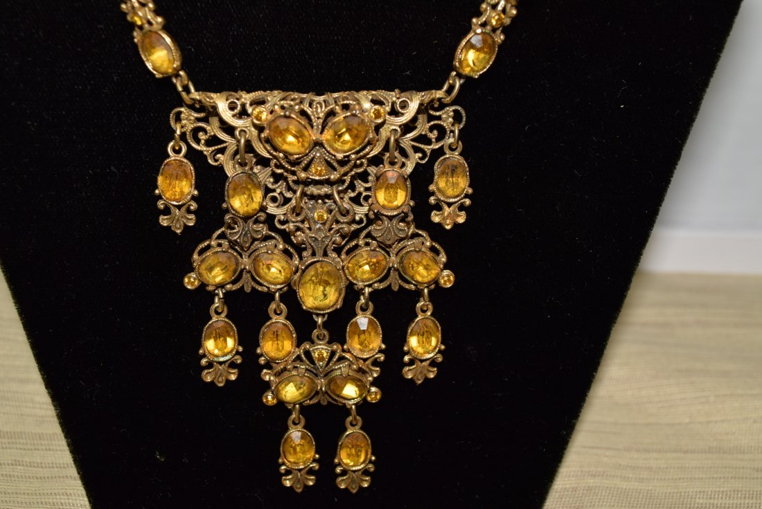 GOLD COLORED CHAIN NECKLACE WITH YELLOW STONES - 2