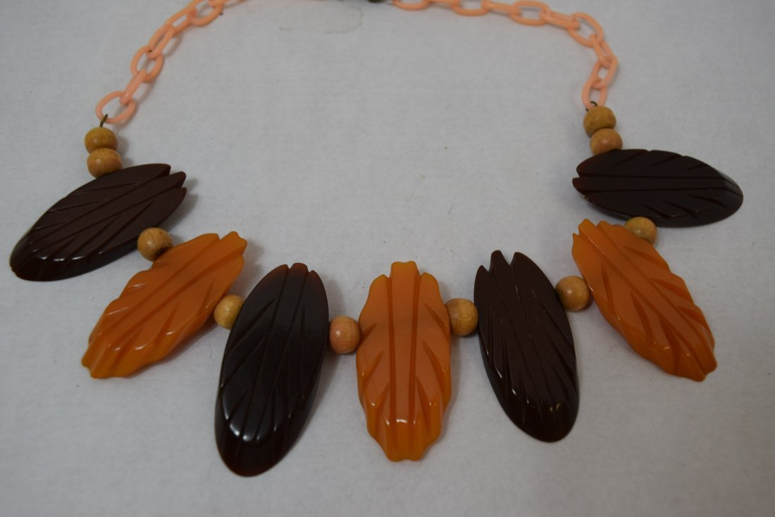 BAKELITE BROWN & ORANGE CARVED NECKLACE - 2