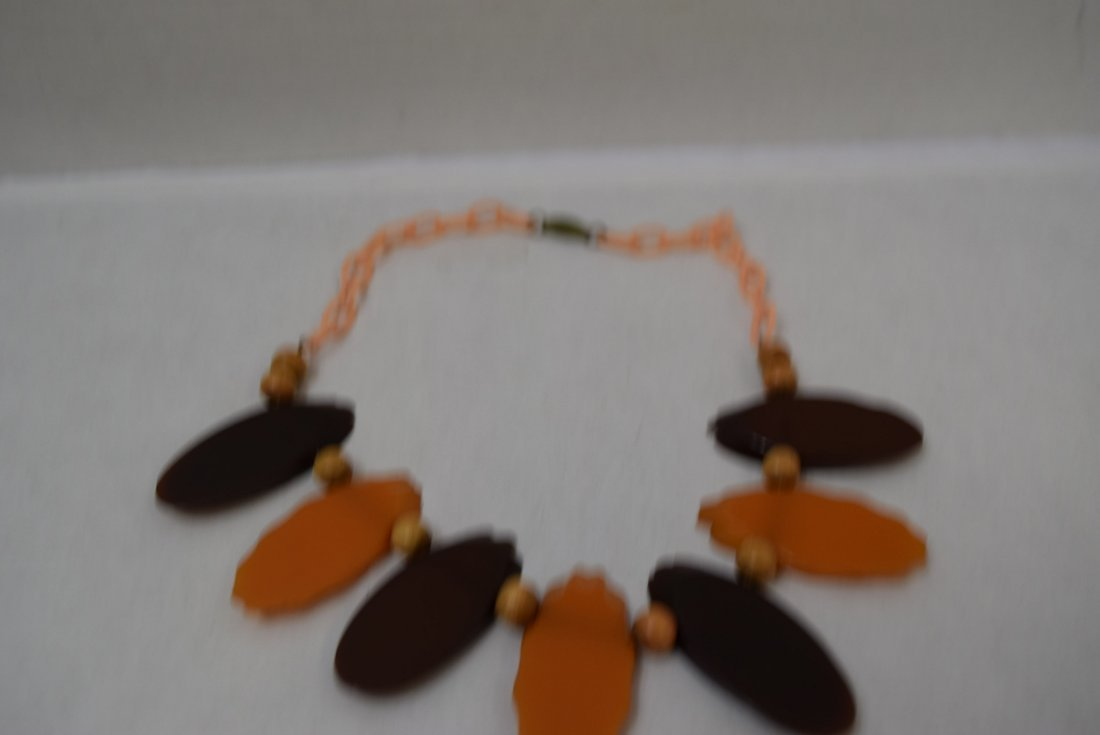 BAKELITE BROWN & ORANGE CARVED NECKLACE - 3