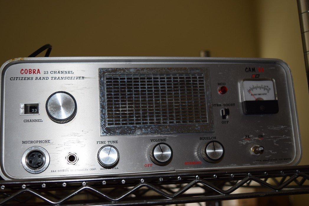 3 VINGAGE HAM RADIOS - 6