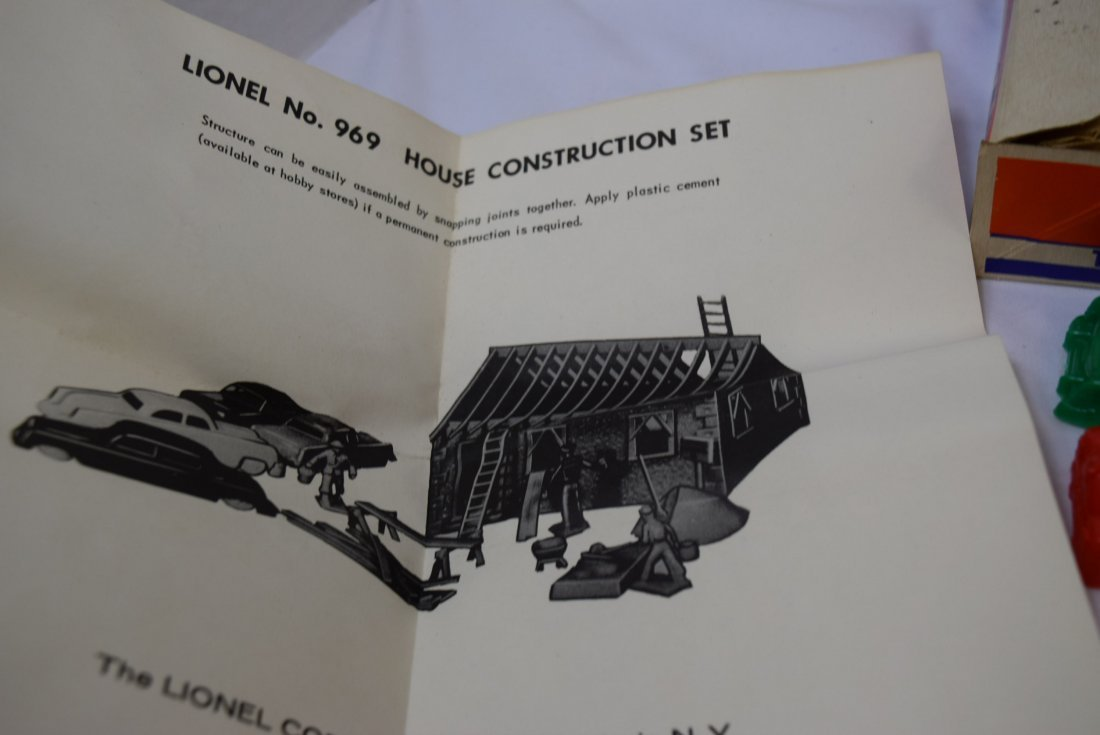 LIONEL BUILD IT YOURSELF -HOUSE CONTRUCTION SET 96 - 4