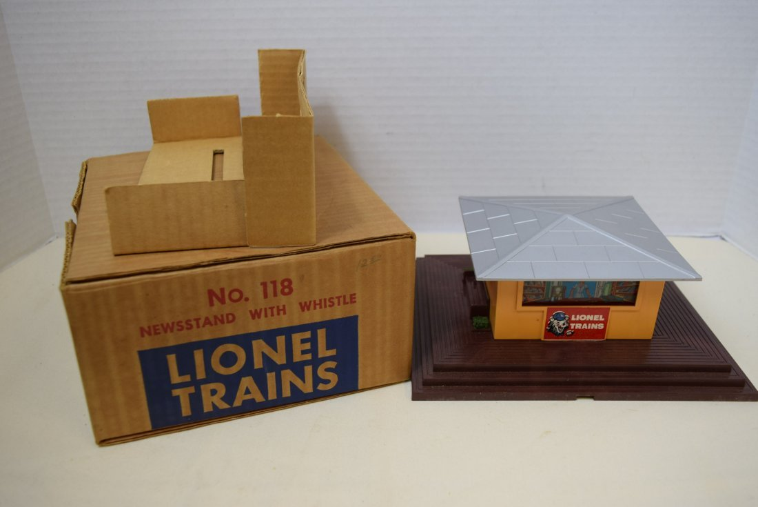 LIONEL NEWSSTAND WITH WHISTLE