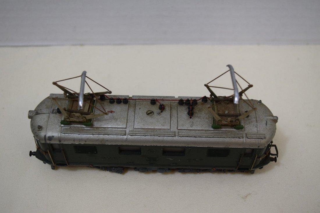 MARKLIN HO SBB CFF 427 RET 800 20V LOCOMOTIVE - 2