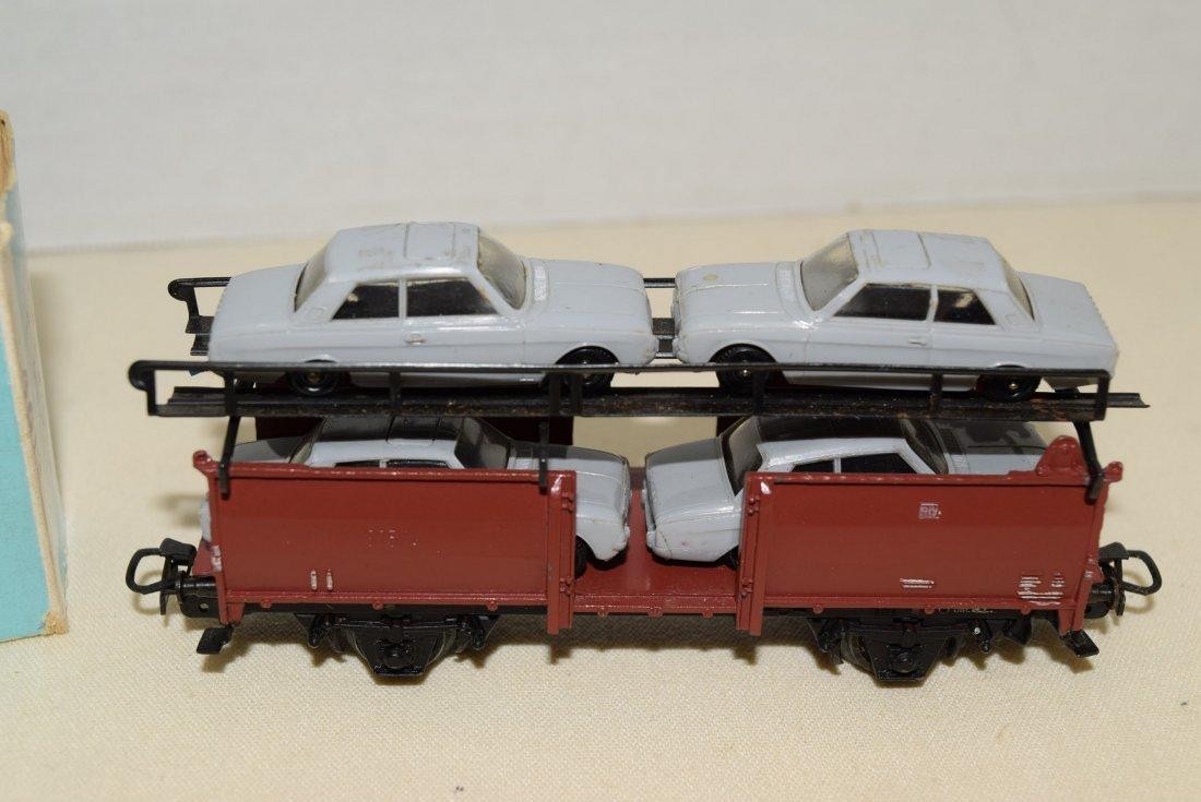 MARKLIN HO CAR TRANSPORTER WAGON WITH 4 CARS - 2
