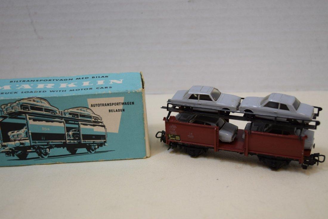 MARKLIN HO CAR TRANSPORTER WAGON WITH 4 CARS - 3