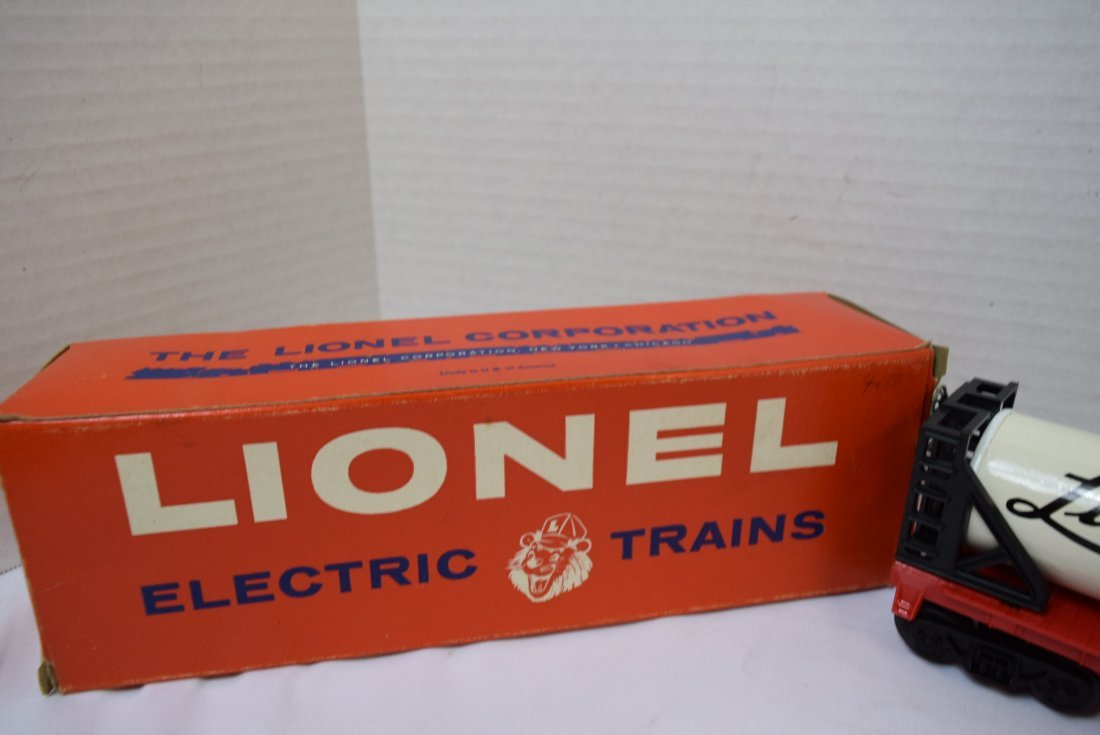 LIONEL LIQUEFIED GAS TANK ROLLING CAR - 3