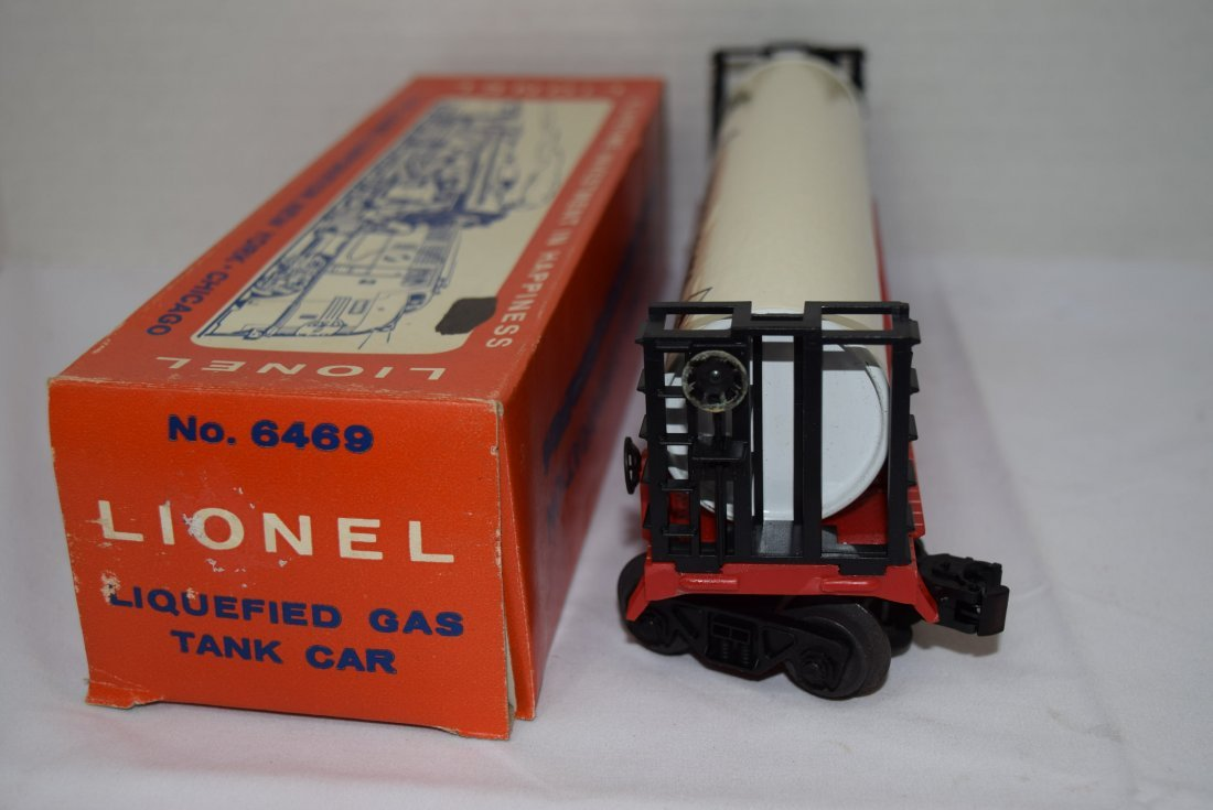 LIONEL LIQUEFIED GAS TANK ROLLING CAR - 6