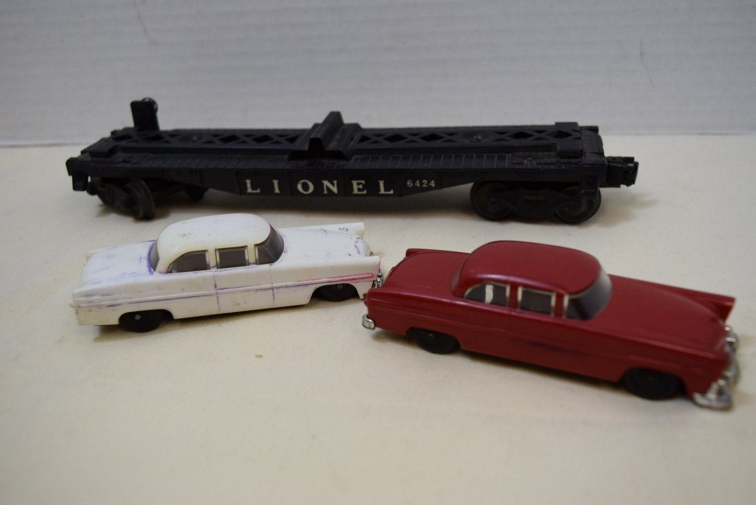 LIONEL FLAT CAR HAULER WITH 2 CARS - 5