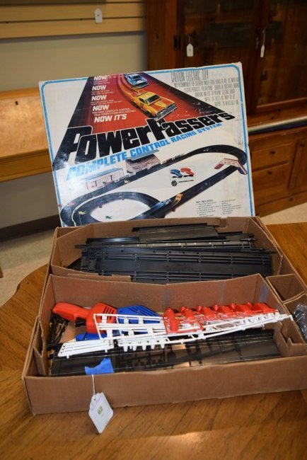 LIONEL POWER PASSERS RACING SYSTEMS