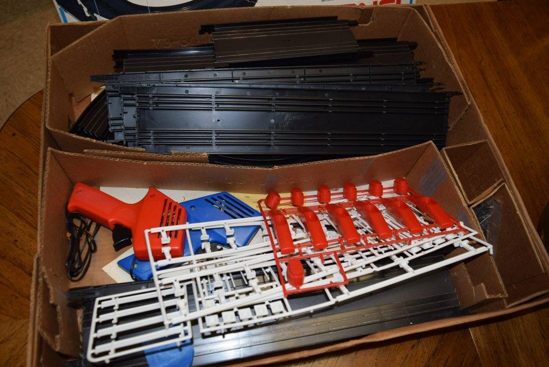 LIONEL POWER PASSERS RACING SYSTEMS - 2