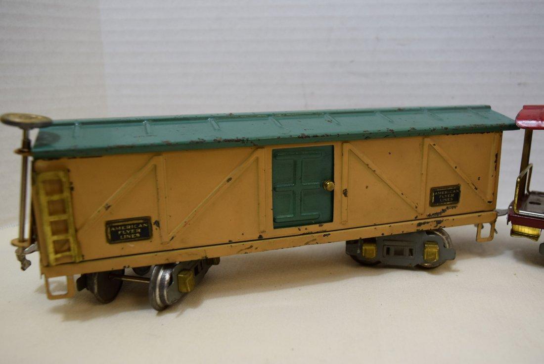 AMERICAN FLYER PREWAR  BOX CAR AND CABOOSE - 3