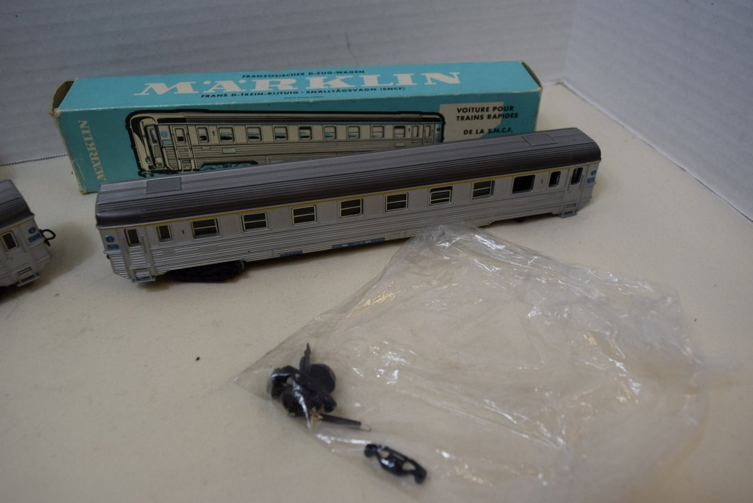 MARKLIN HO SBB CFF PASSENGER AND RESTAURANT WAGON - 2