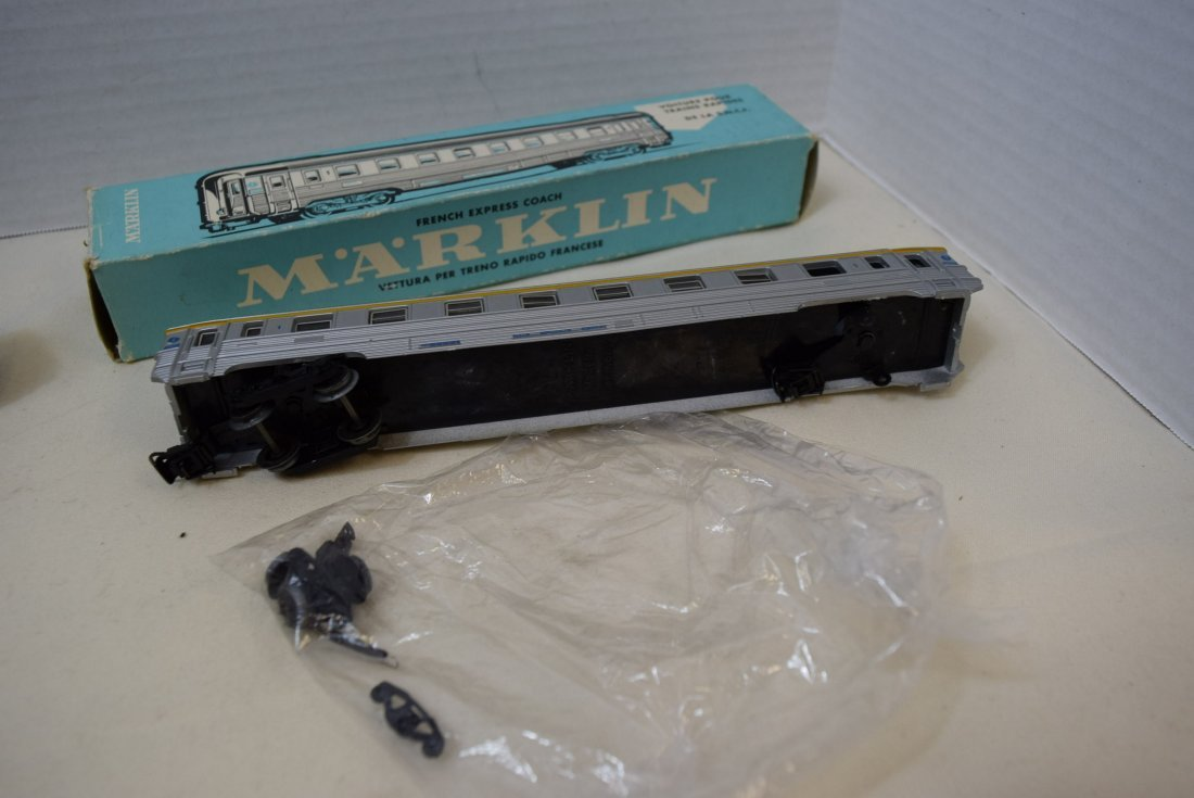 MARKLIN HO SBB CFF PASSENGER AND RESTAURANT WAGON - 3