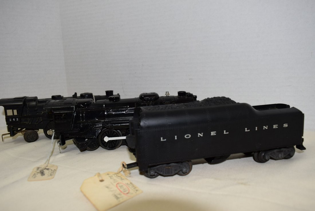 2 LIONEL LOCOMOTIVES AND ONE TENDER - 2