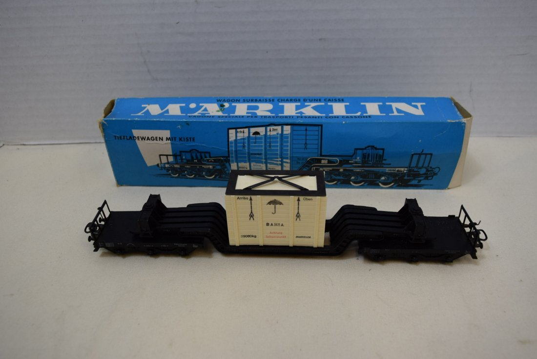 MARKLIN HO WELL WAGON WITH CASE