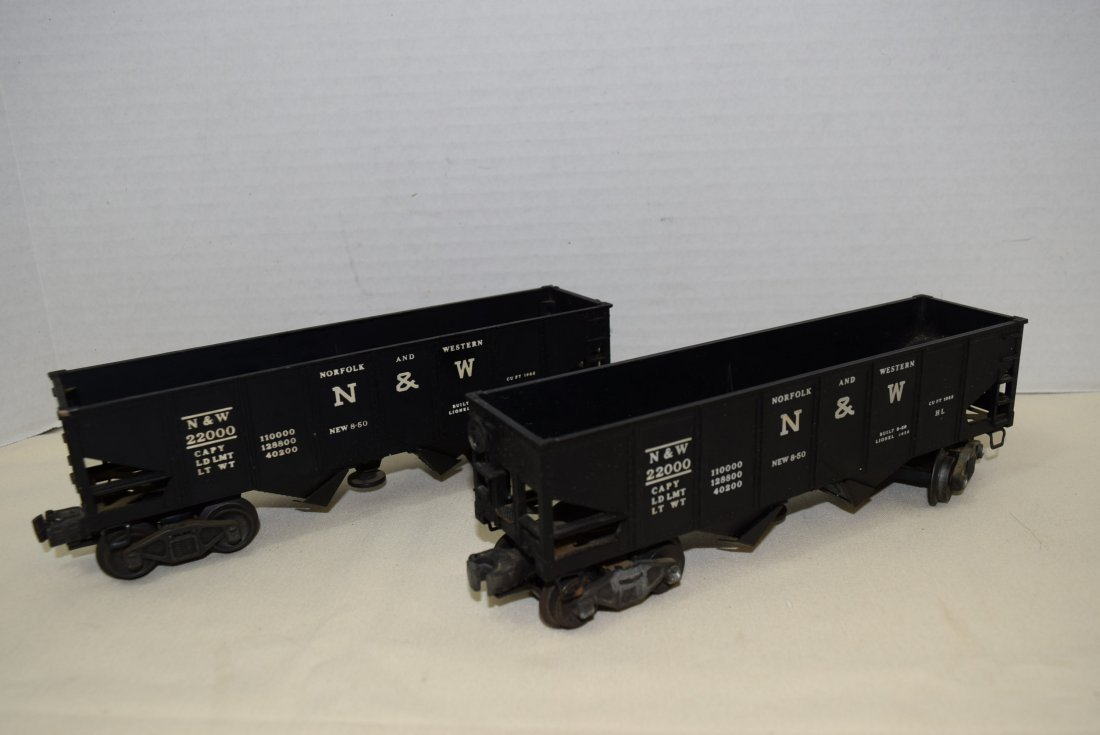 2 LIONEL N&W OPERATING HOPPERS