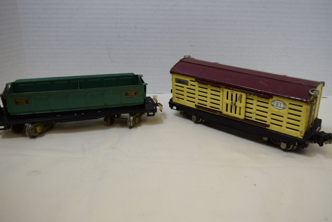AMERICAN FLYER DUMP CAR AND LIONEL LINES CATTLE CA