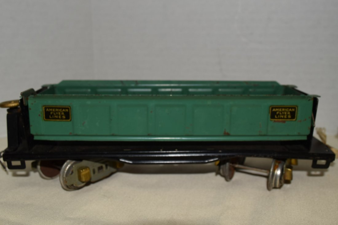 AMERICAN FLYER DUMP CAR AND LIONEL LINES CATTLE CA - 3