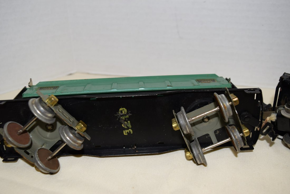 AMERICAN FLYER DUMP CAR AND LIONEL LINES CATTLE CA - 5