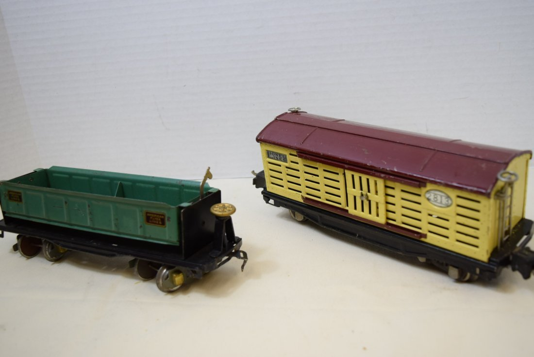 AMERICAN FLYER DUMP CAR AND LIONEL LINES CATTLE CA - 8