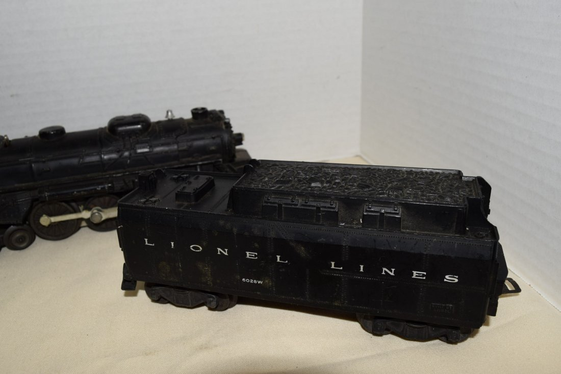 LIONEL LOCOMOTIVE AND TENDER WITH TRACKS - 2