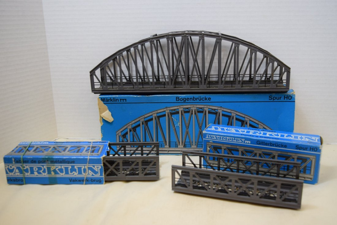 MARKLIN 2 TRUSS BRIDGES AND ONE ARCH BRIDGE