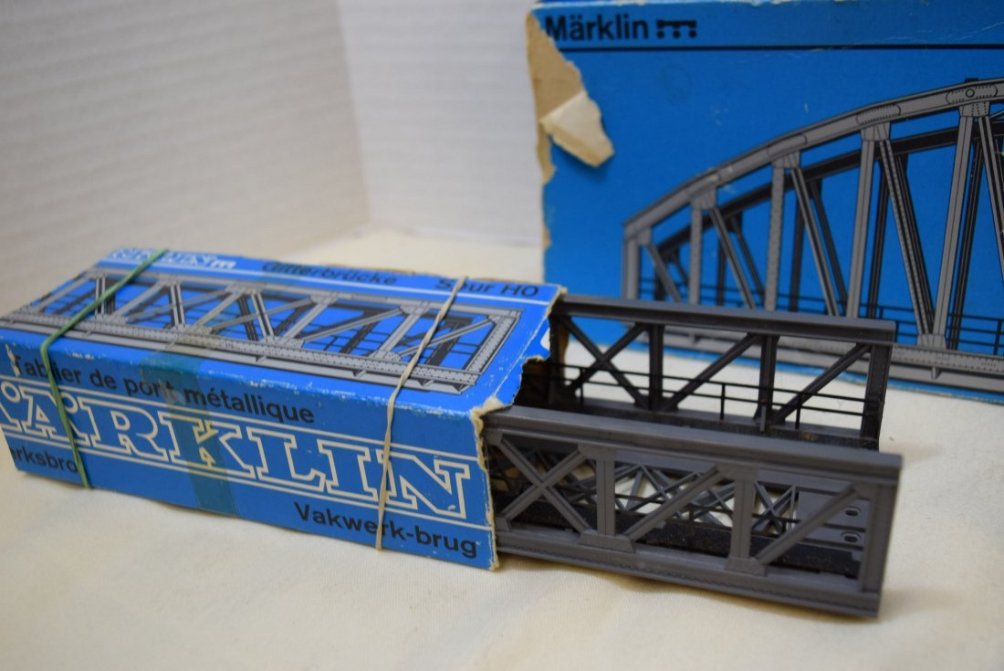 MARKLIN 2 TRUSS BRIDGES AND ONE ARCH BRIDGE - 3