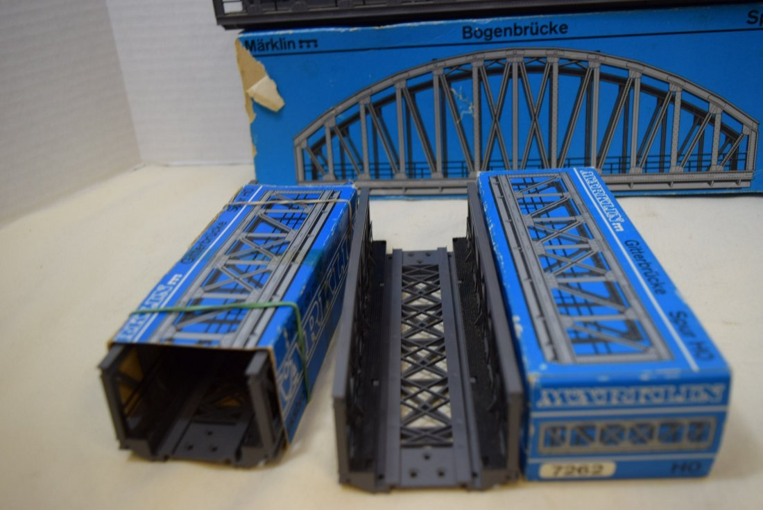MARKLIN 2 TRUSS BRIDGES AND ONE ARCH BRIDGE - 4