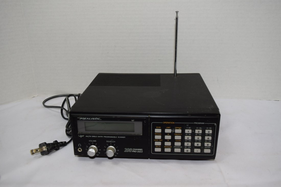 REALISTIC UHF/VHF AM/FM DIRECT ENTRY PROGRAMMABLE