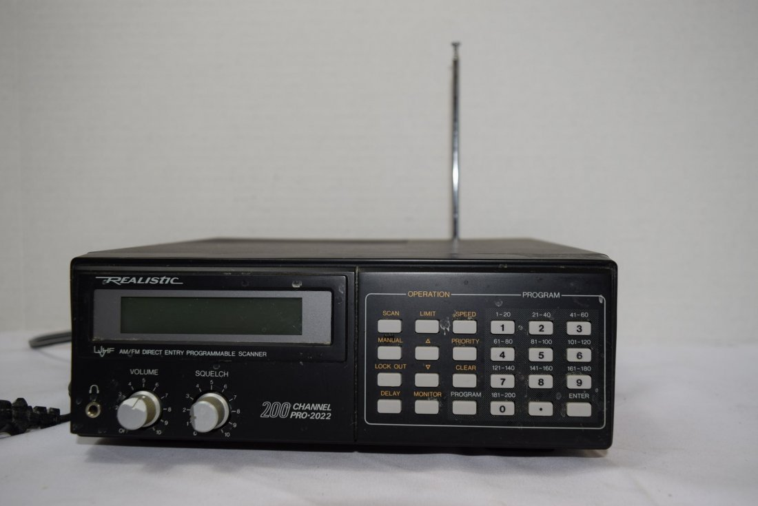REALISTIC UHF/VHF AM/FM DIRECT ENTRY PROGRAMMABLE - 2