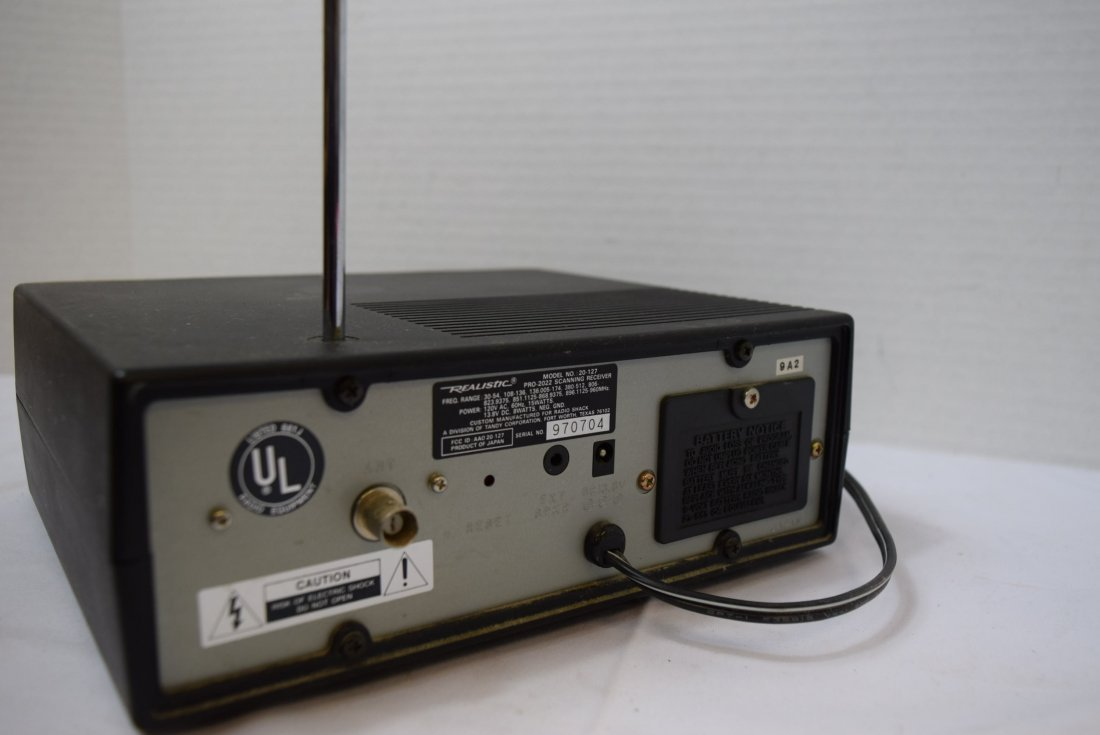 REALISTIC UHF/VHF AM/FM DIRECT ENTRY PROGRAMMABLE - 3